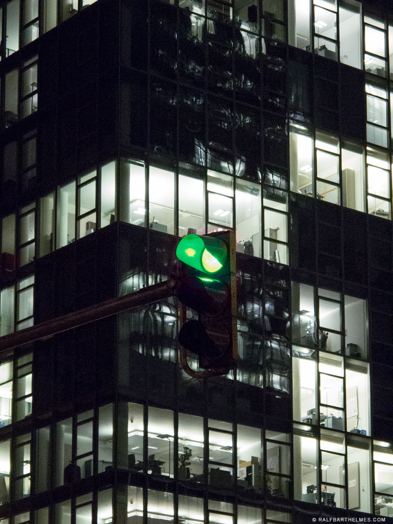 253-green-light-frankfurt