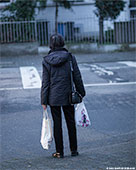 276-waiting-woman-th