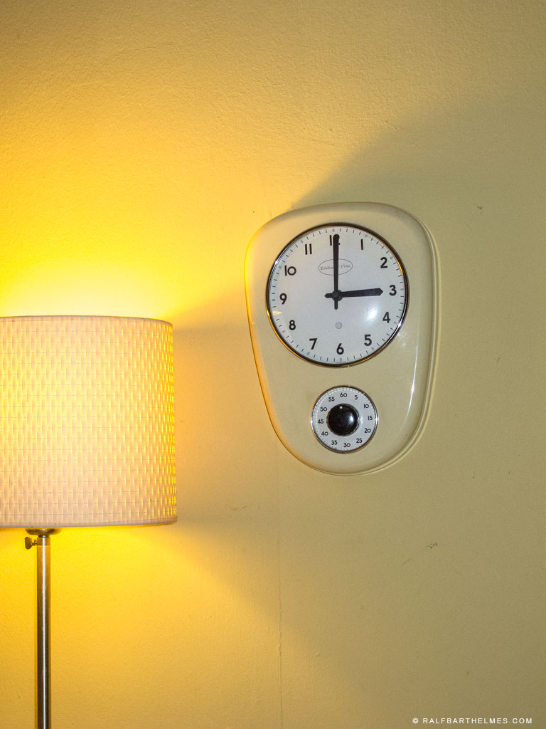 493-clock-editorial-foto-frankfurt