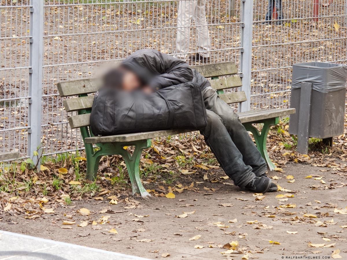 523-homeless-person-frankfurt